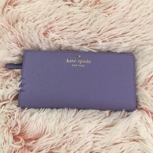 💜 Almost new Lilac Kate Spade wallet 💜